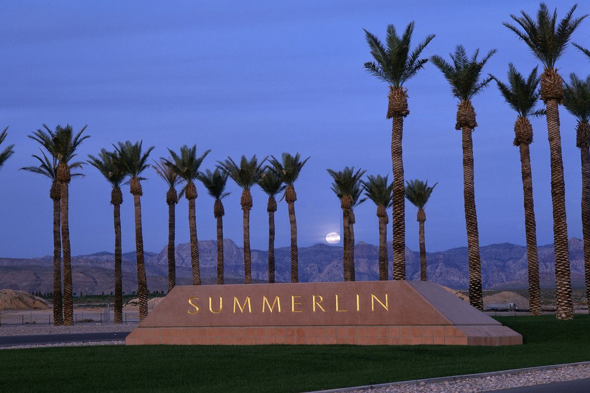 Heading To Las Vegas Check Out Summerlin Located 10 Miles West Of The Strip