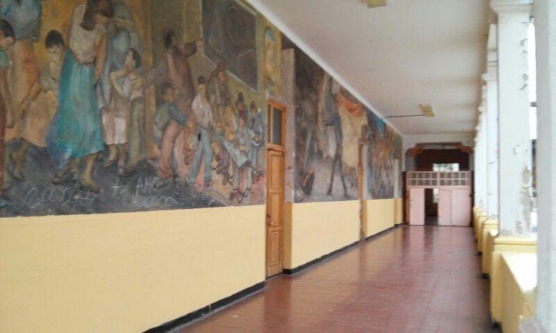 Murales Del Primer Piso De La Escuela Murales Pisos Y Escuela