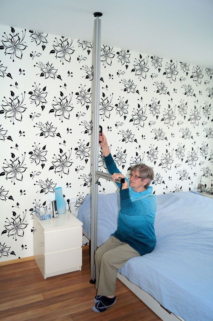 Boden-Decken-Stange mit Aufrichthilfe, Aufstehhilfe, Rollstuhl Bett ...