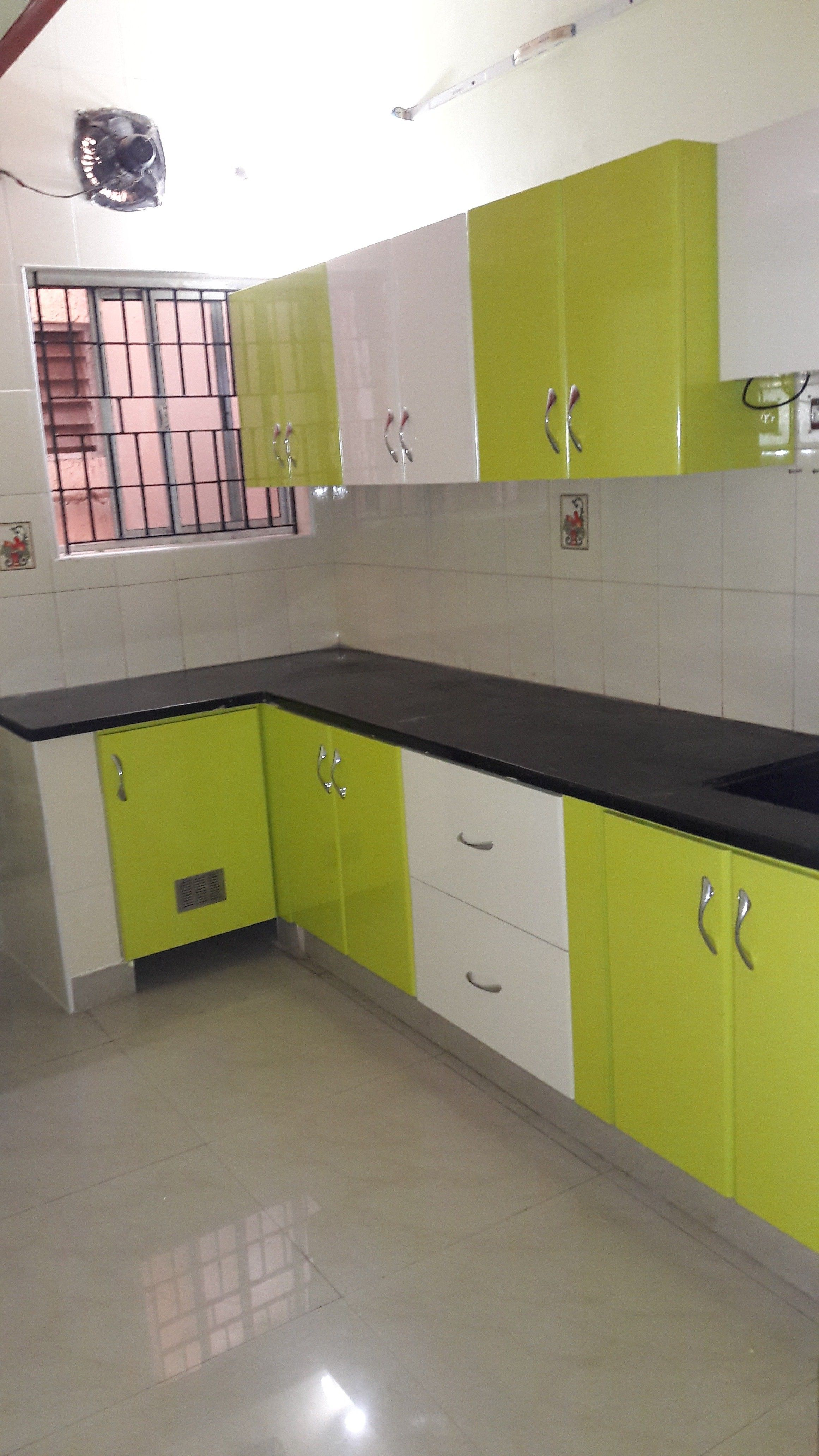 With the growth in exquisite rooms and loft style dwelling decline of formal eating room open ground plans  formed kitchens have turn out also minimalist kitchen set ideas for small spaces home decorating rh pinterest