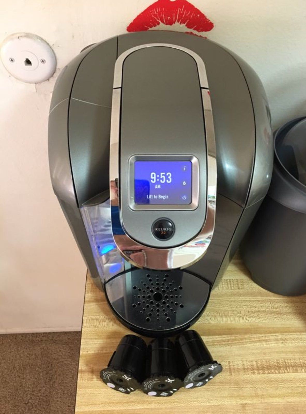 I'm selling KEURIG K500 Coffee Maker 2.0 Platinum works
