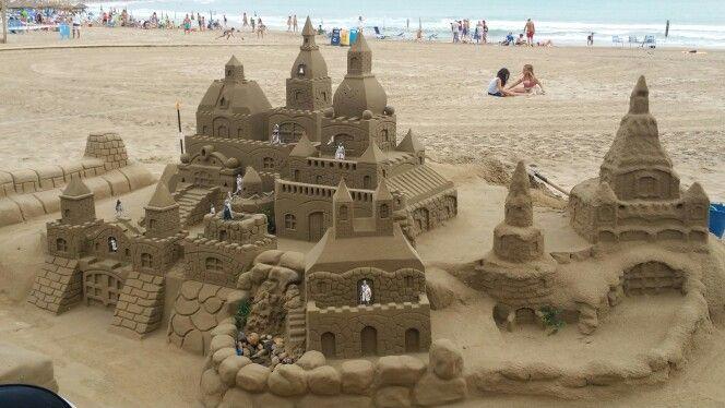Esculturas de arena playa Peniscola