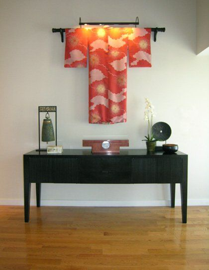 So If I Had A Kimono Lying Around I Would Wear It First And Then Hang It Up Like This Fantastic Art Japanese Interior Design Asian Home Decor Japanese Decor