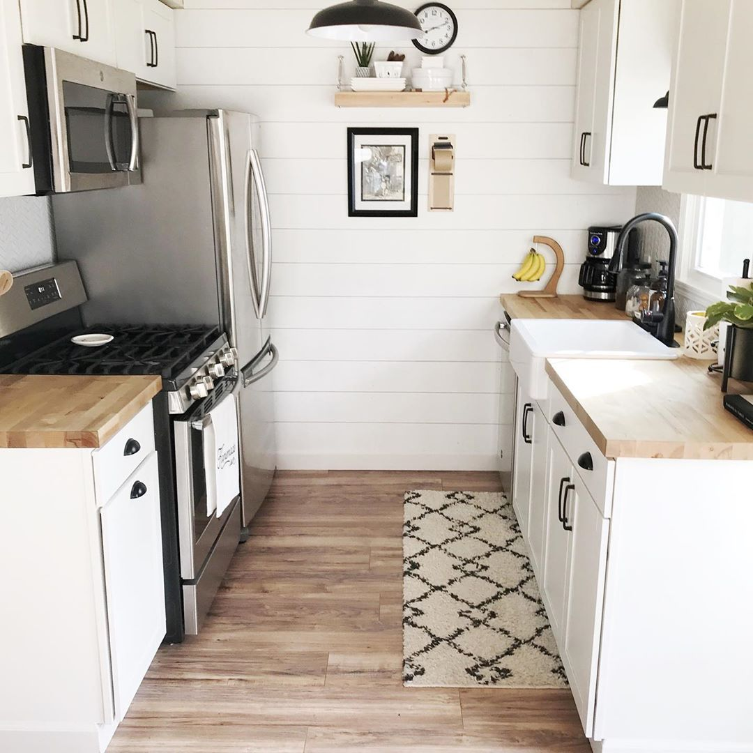 Kitch Erin Roberts On Instagram Welcome To A True Galley Kitchen Friends I Remember Searc Tiny Kitchen Design Small Apartment Kitchen Small Kitchen Decor
