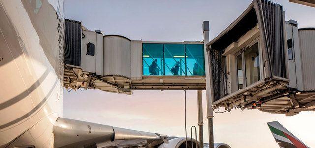 47 جسر تحميل متوافقة مع العملاقة في مطار دبي الدولي نهاية 2018 - الإمارات اليوم