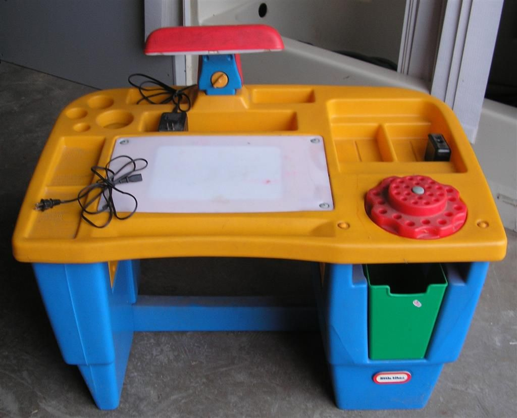 Fisher Price Table And Chairs Fisher Price Little Tikes Lighted Art Desk Had This One
