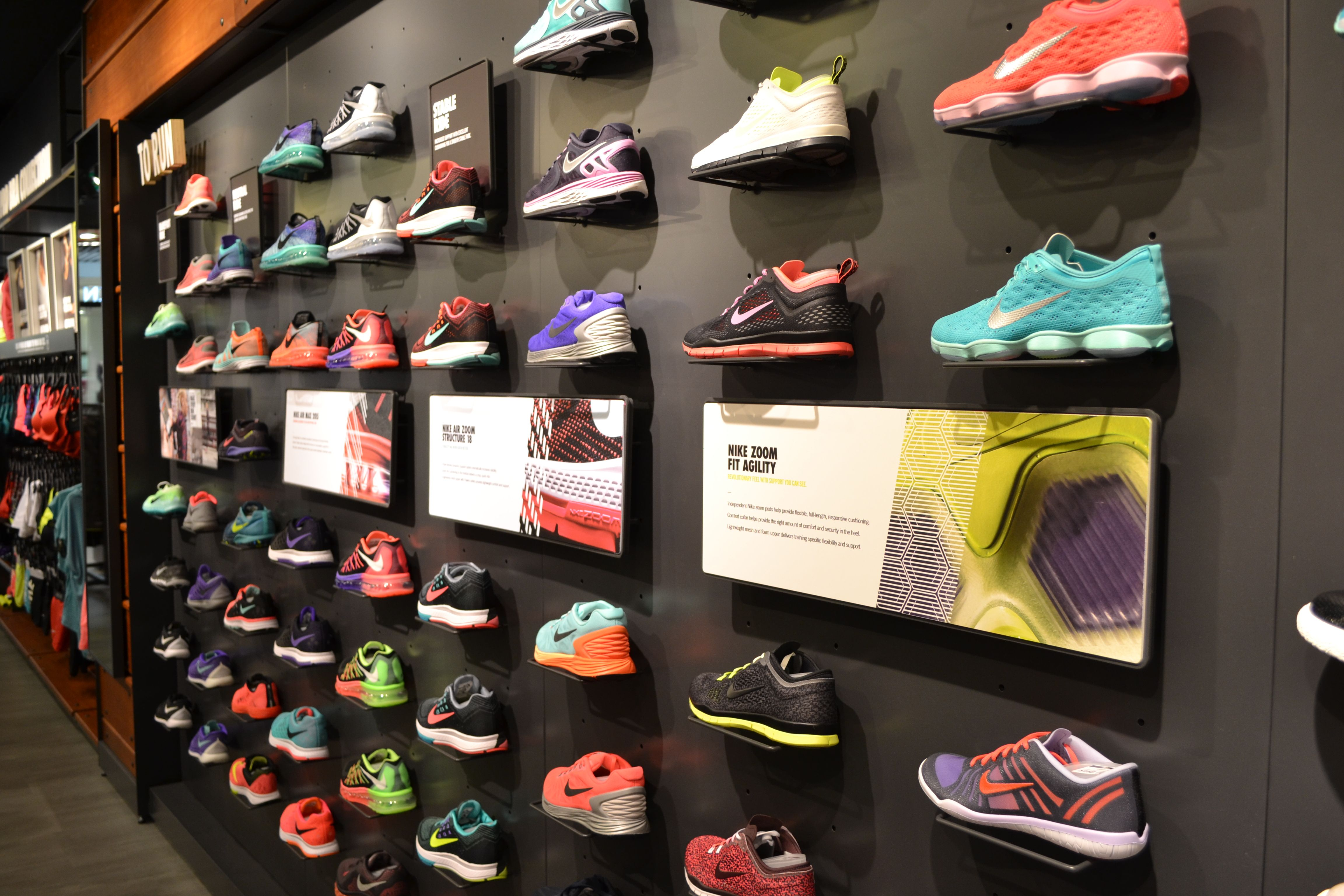 Nike Zoom Structure 18  Sports Shoe Wall Retail Display