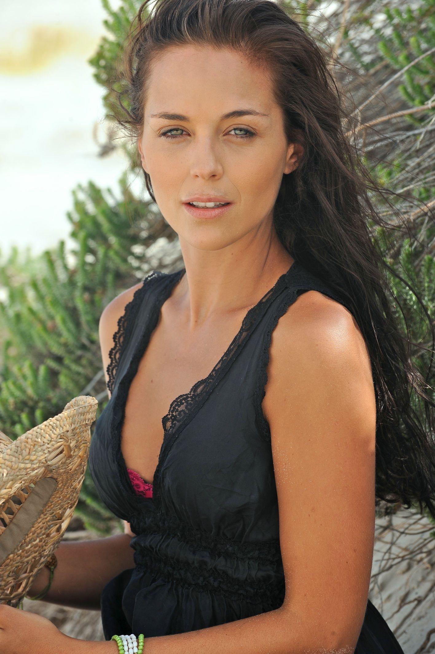 Celebrites Tanya van Graan nudes (76 photos), Twitter