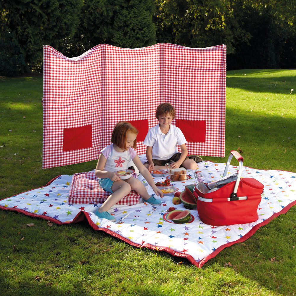 Family Beach Blanket: Love This Picnic Blanket And Windbreak From @GLTC