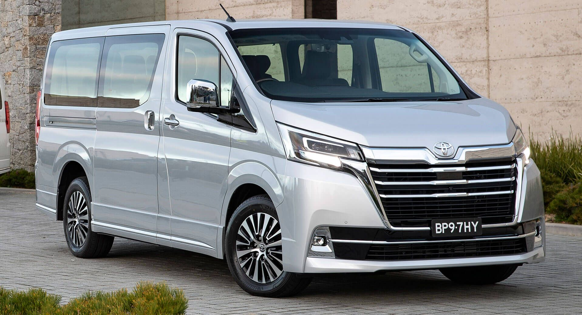 2020 Toyota Granvia Mpv Gets Aud 62 990 Starting Price Australia Newcars Prices Reports Toyota Toyotagranvia Cars Carsofins Toyota New Cars Family Car
