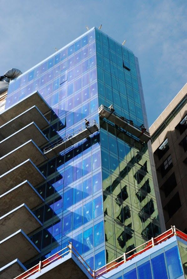 500 Walnut St Suspended Scaffold And Canopy Ultra Luxury