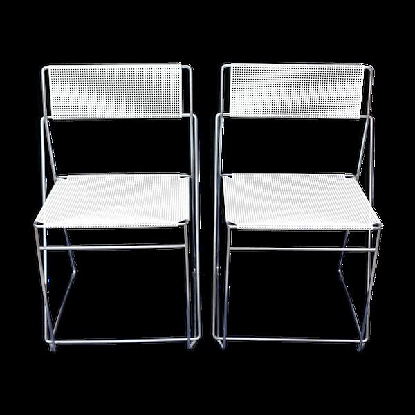 Paire de chaises par Niels Jorgen Haugesen pour Hybodan   – Products