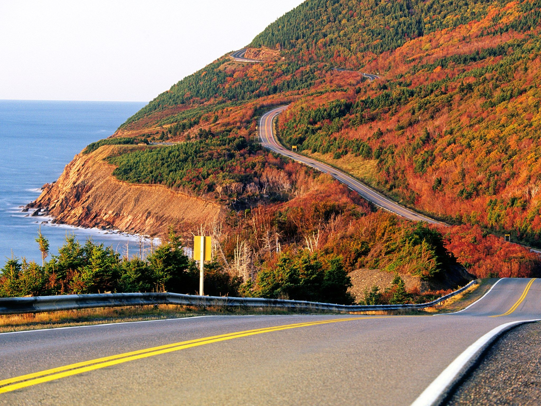 The Ultimate Fall Road Trip Through New England Autumn