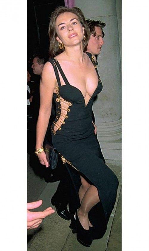 Elizabeth Hurley In A Lovely Gianni Versace Gown Elizabeth Hurley Versace Dress Fashion