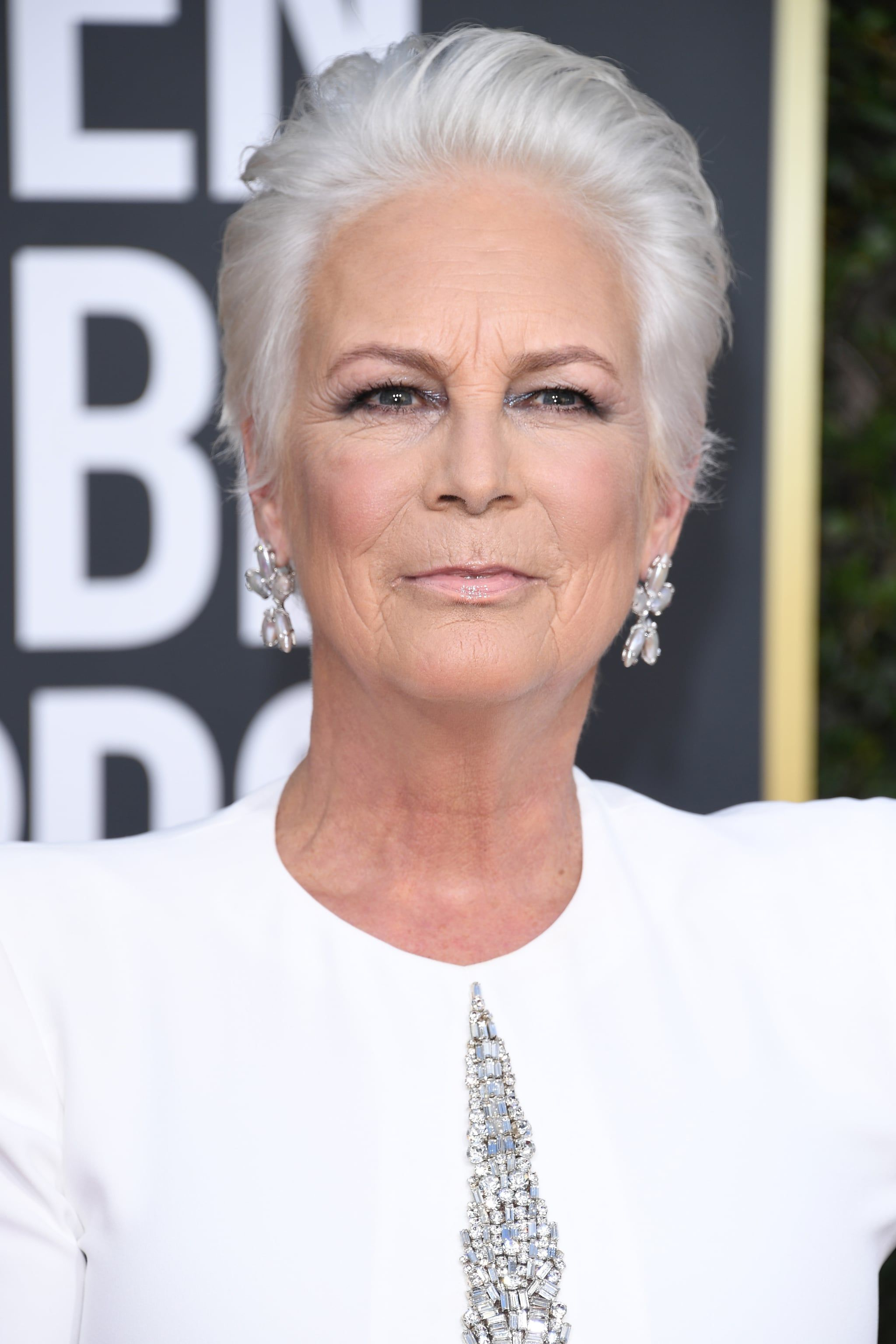 Halloween 2020 Jamie Lee Curtis White Hat Jamie Lee Curtis Makes a Case For Ditching Dye With Her White Hair