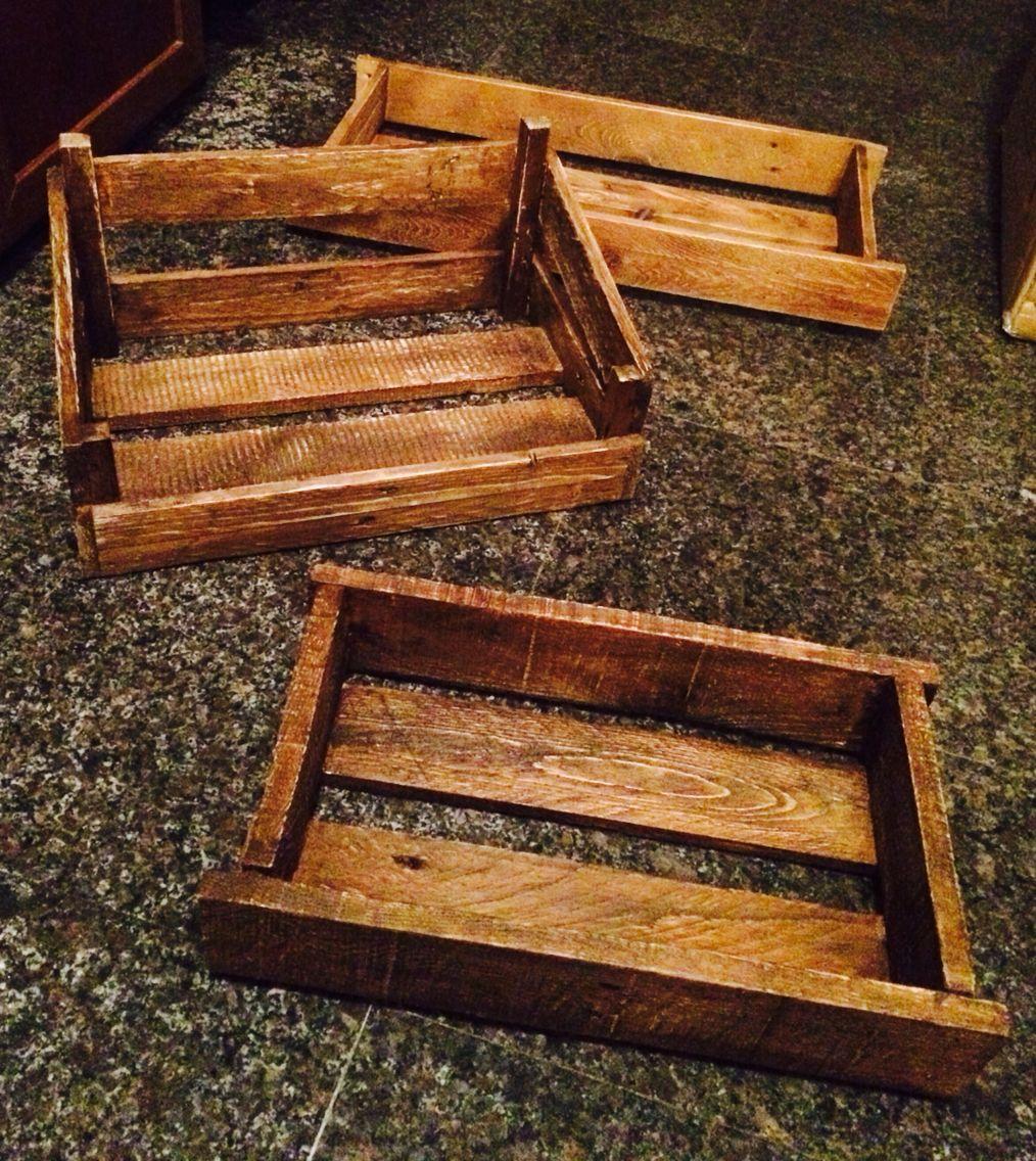 Cassette porta oggetti create a mano da pancali per vassoi for Oggetti per arredare casa