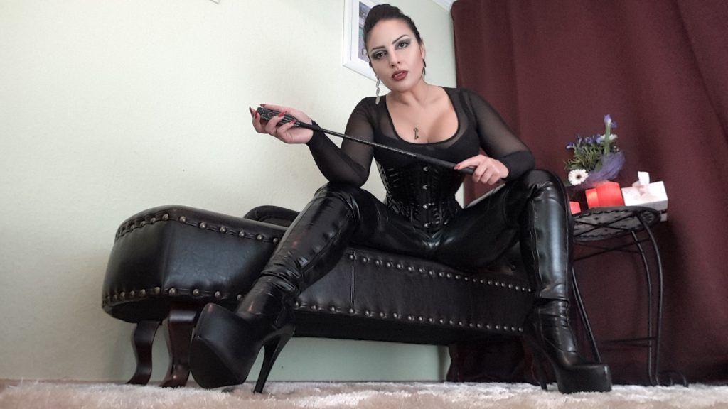 Порно звезда русская строгая госпожа каблуки