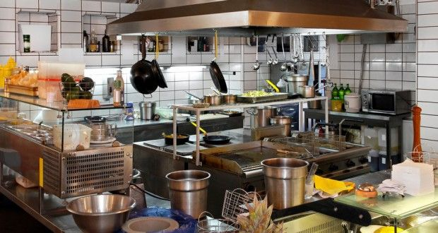 tips for hoteliers on how to pick sustainable suppliers of food and manage food waste including case studies best practice and green food organisations