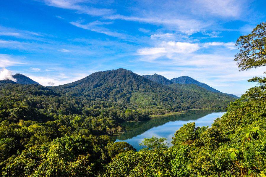 munduk mountain 3 by Baptiste Diogo on 500px