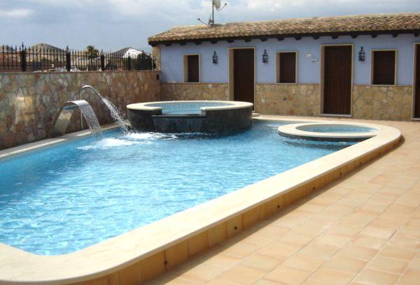 Equidesa  Piscinas  Nuestras piscinas pool  Piscinas y Deportes