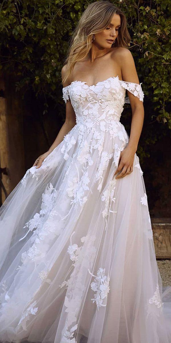 Fashion Forward Brautkleider erröten eine Linie von der Schulter Blumenspitze