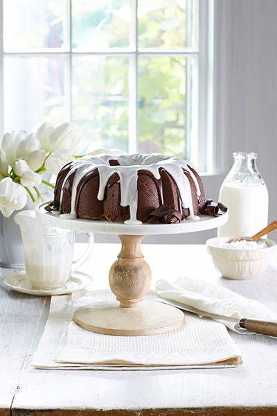 5 Kitchen Must Haves For Southern Newlyweds Amazing Chocolate Cake Recipe Southern Cake Desserts