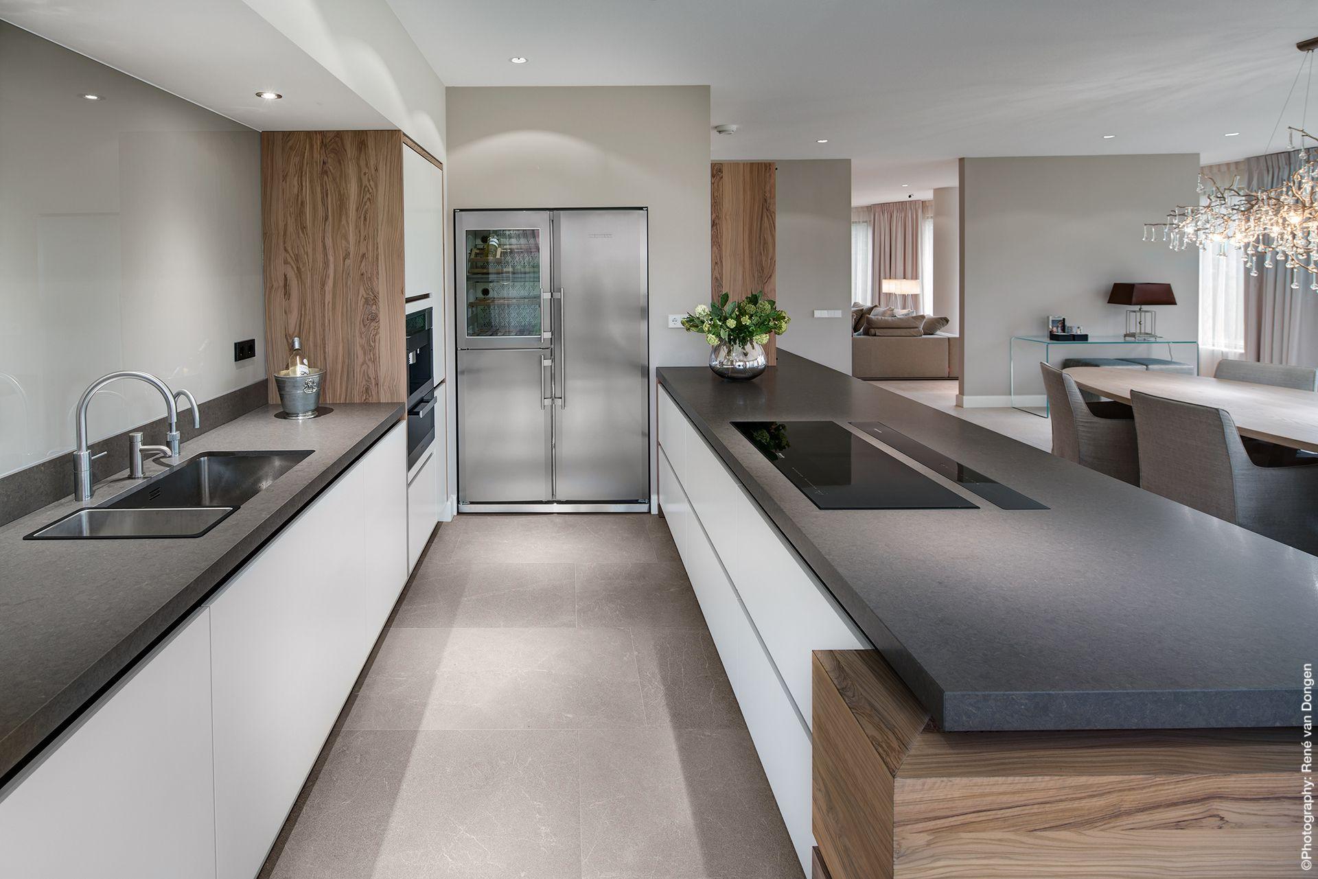 Olijf houten keuken design tinello keuken interieur for Tinello keuken