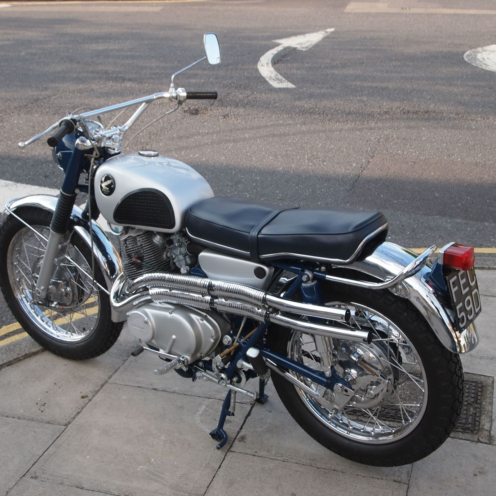 1966 Honda Cl77 Honda Bikes Vintage Honda Motorcycles Classic Motorcycles [ 1600 x 1600 Pixel ]