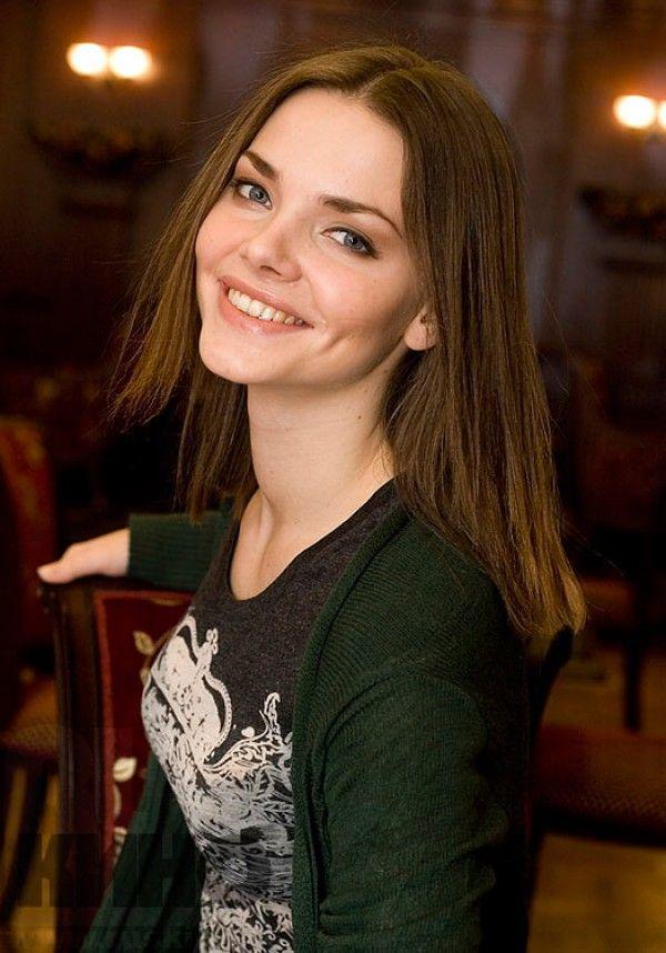 russkie-aktrisi-muziki-zhopu