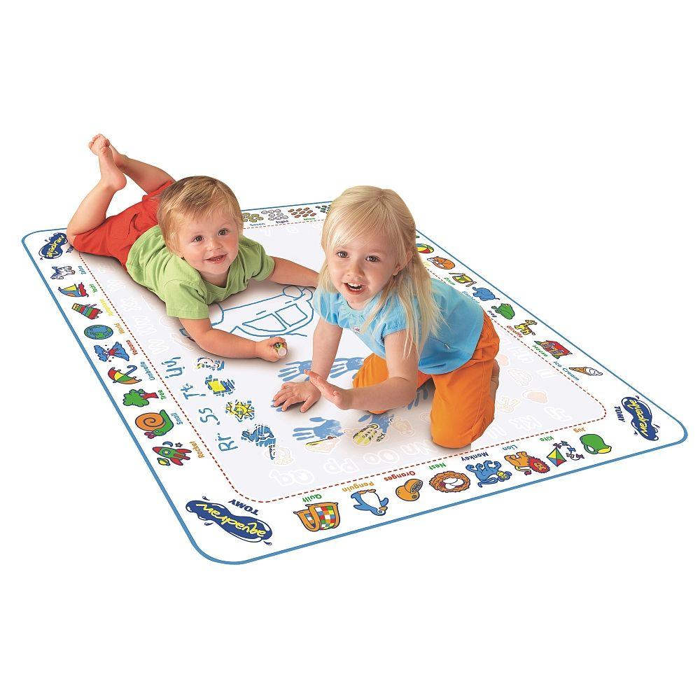 Le tapis de jeu Aquadoodle, de la marque Tomy, propose une ...