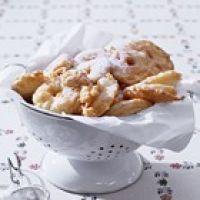 Appelbeignets in bierbeslag recept - Feestelijk - Eten Gerechten