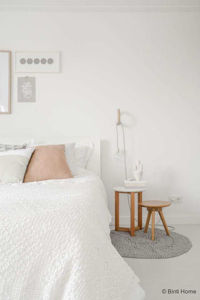 styling van een romantische slaapkamer met zachte kleuren (binti, Deco ideeën