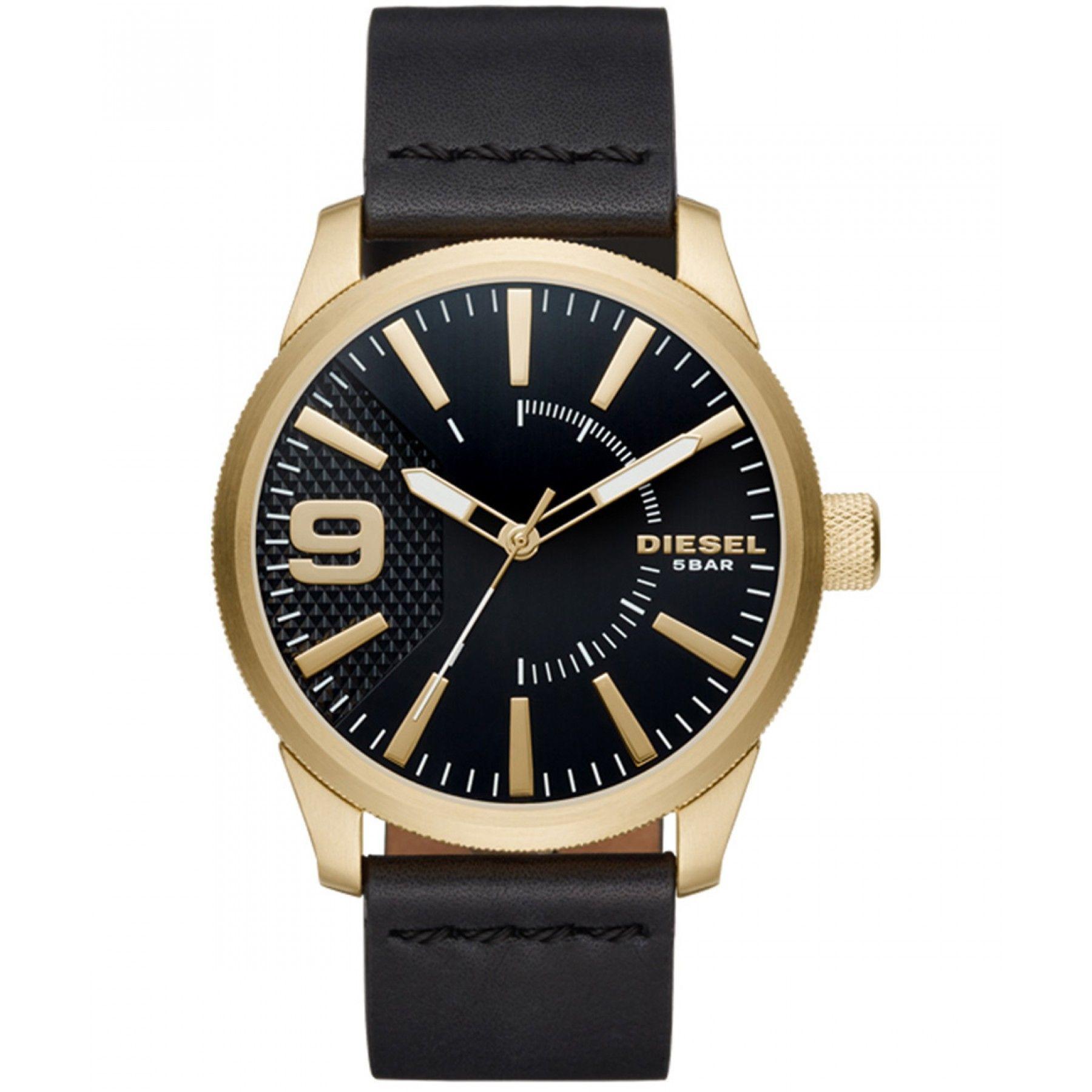 d4ba6726b58e Reloj Diesel con caja y bisel en acero color dorado extensible tipo correa  en piel negra