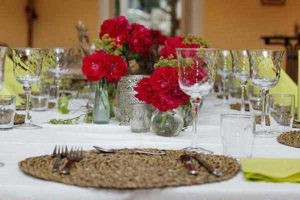 Festlich gedeckter Tisch mit Wildkräuter - Wildkräuter Kochkurs bei grün wuid gschmackig #gedecktertisch