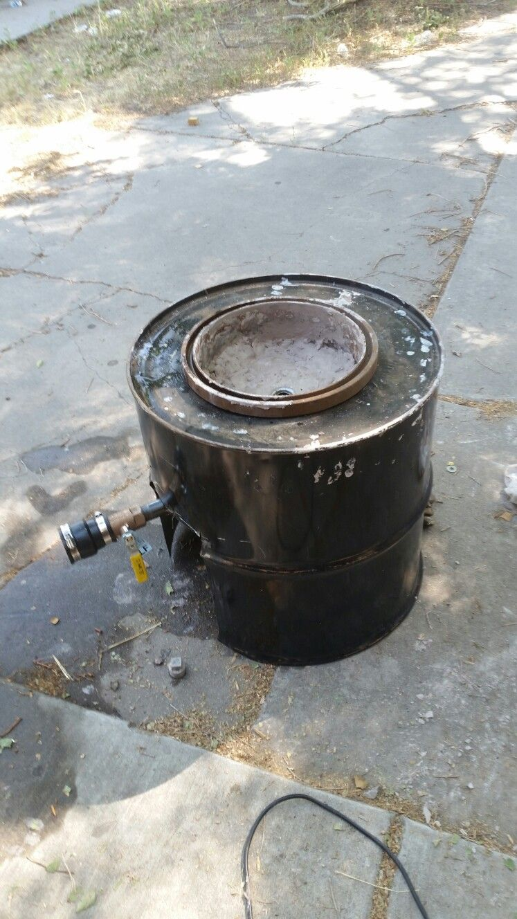 This Is My Forge It Is A 55 Gallon Drum With A Break Drum Insert Using A Clay Lining For The Forge Bowl 55 Gallon Drum Metal Drum Metal Working