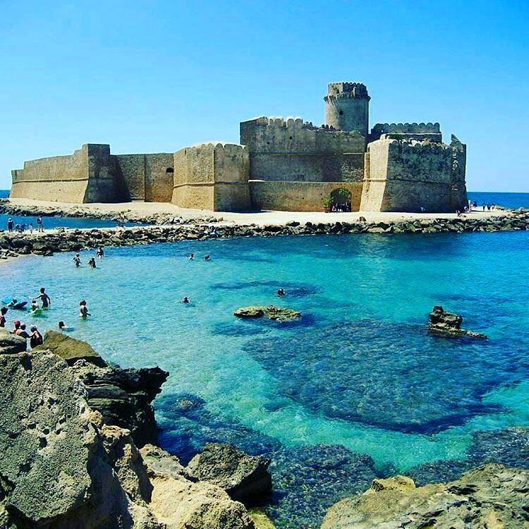 Tourism in Italy — Le Castella, Isola di Capo Rizzuto