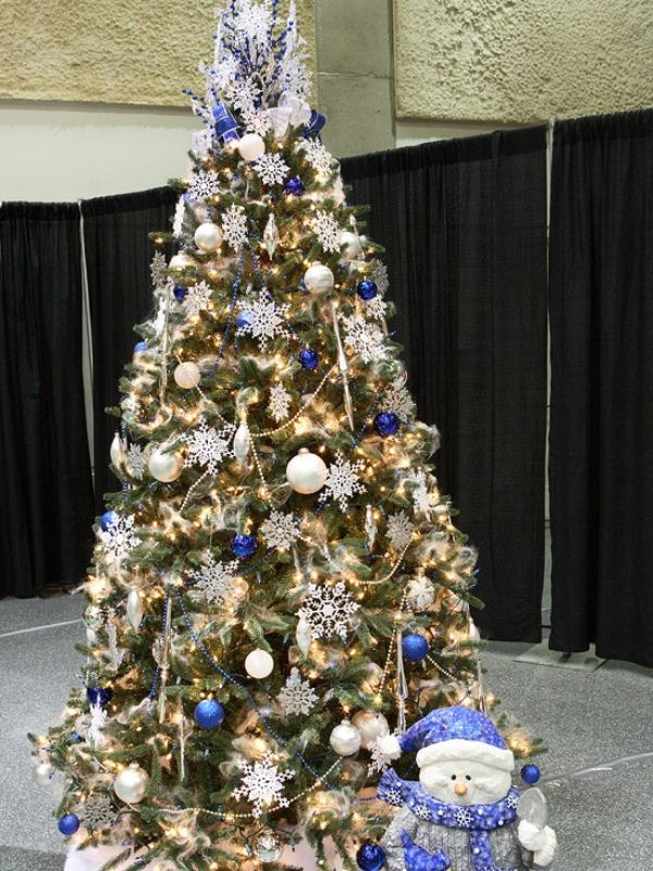 Beauteous Blue Christmas tree Decorating Ideas Mesmerizing - white christmas tree decorations
