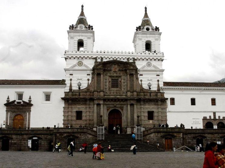 Iglesia San Francisco Iglesia San Francisco Paisajes Ecuador Ciudad De Quito