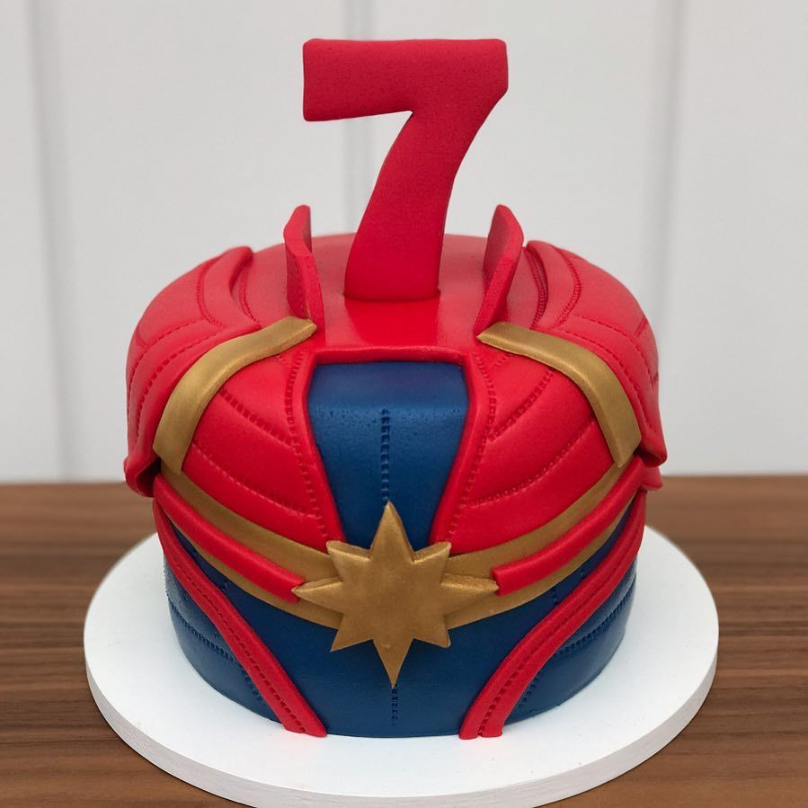 Captain Marvel Birthday Cake With Images Marvel Birthday Party