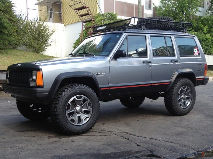 Jeep Cherokee Xj With Rubicon Wheels