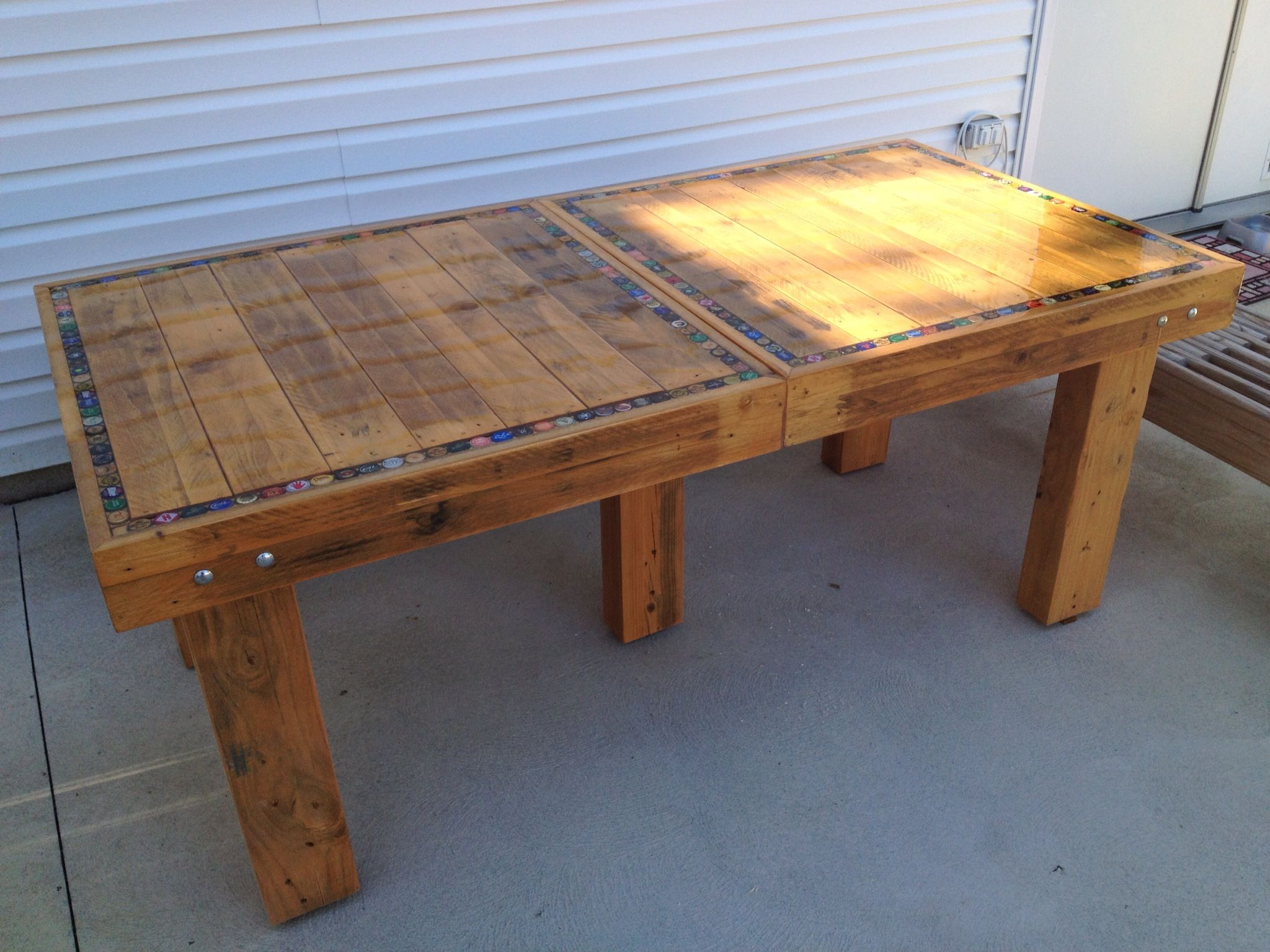 Swell Bottle Cap Table Made With Recycled Wood Craft And Diy Alphanode Cool Chair Designs And Ideas Alphanodeonline