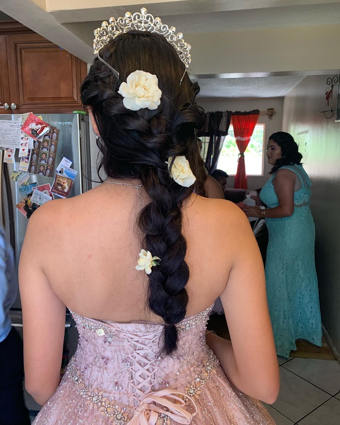 6 Popular Hairstyle Ideas For Quincea 241 Eras Quinceanera