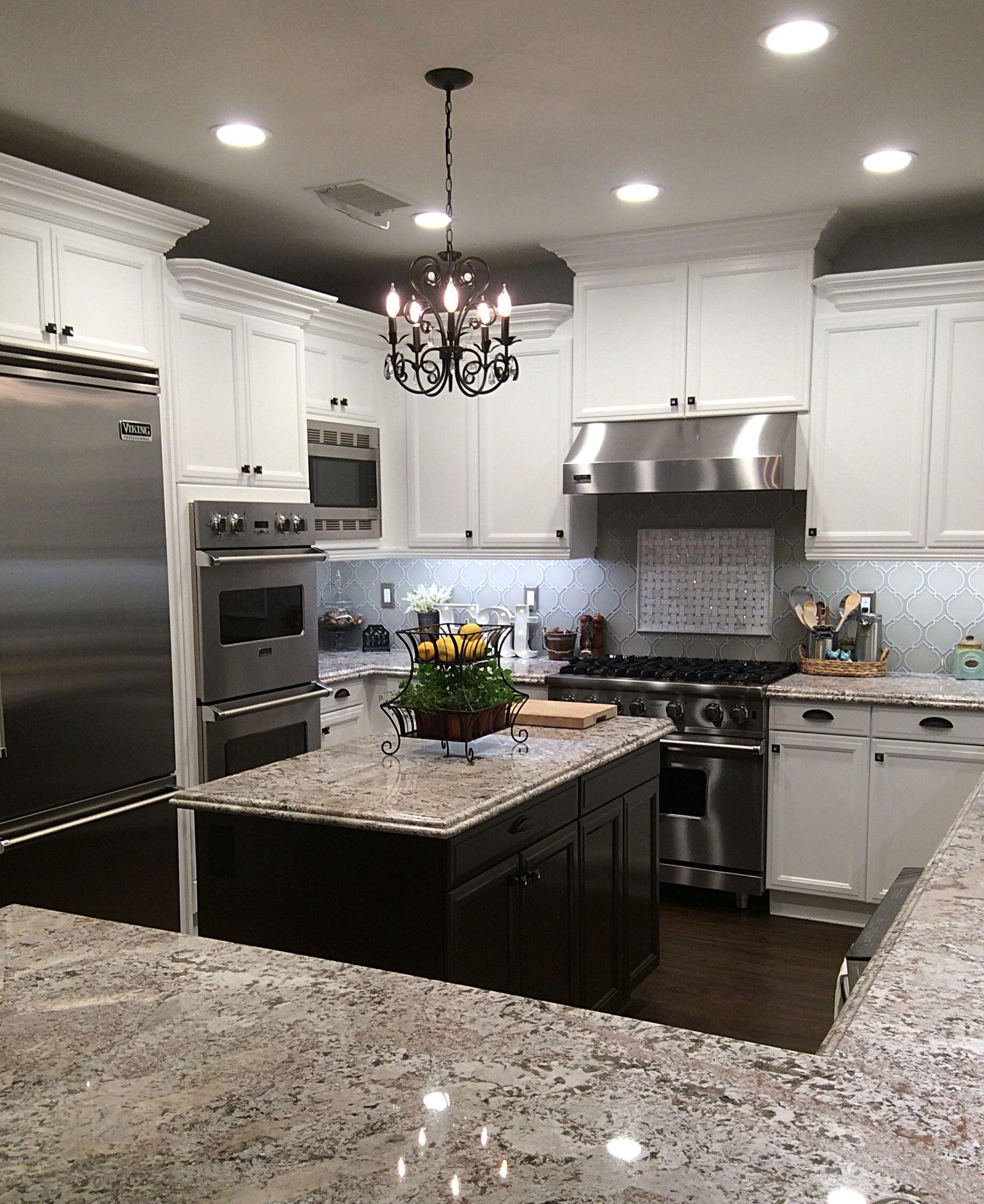 22 Jaw Dropping Small Kitchen Designs: 5 Jaw-Dropping Tricks: Diamond Backsplash Counter Tops