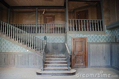 int rieur d 39 une vieille maison am ricaine abandonn e photographie vieilles maisons. Black Bedroom Furniture Sets. Home Design Ideas
