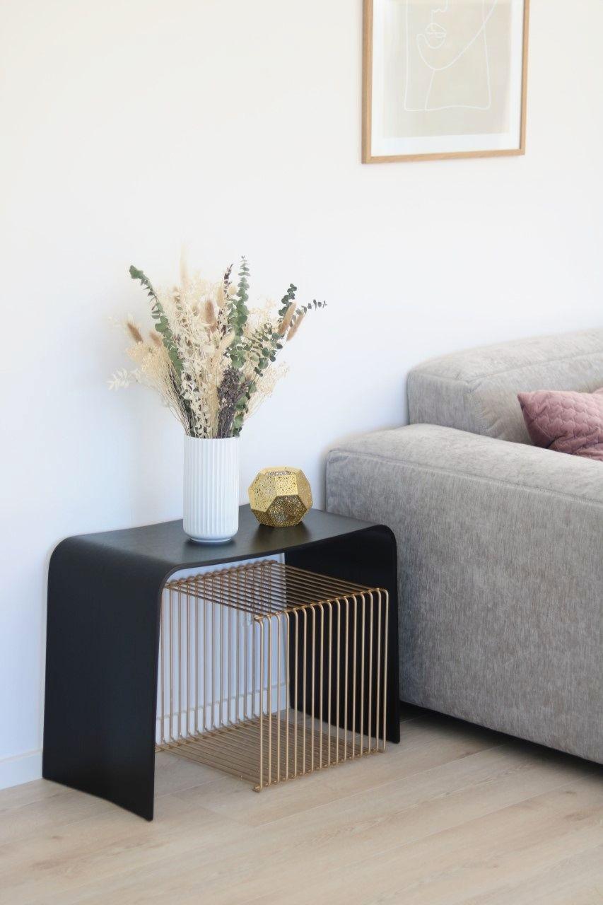Og er du også helt vild med den smukke UBÆNK som står hjemme hos Amanda @baremigamanda, så kan du få den leveret i løbet af 1-3 dage. Med gratis fragt og gratis returnering.    #bænk #skandinaviskdesign #bæredygtigtdesign #boliginspiration #sustainable #nordiskdesign #minstue #minimalistisk #skandinaviskehjem #nordiskstil #indretningsinspiration #boligindretning #bæredygtigt #livingroom #makenordic #sustainabledesign #bolig #indretning #interiordesign #mithjem #sustainablefurniture