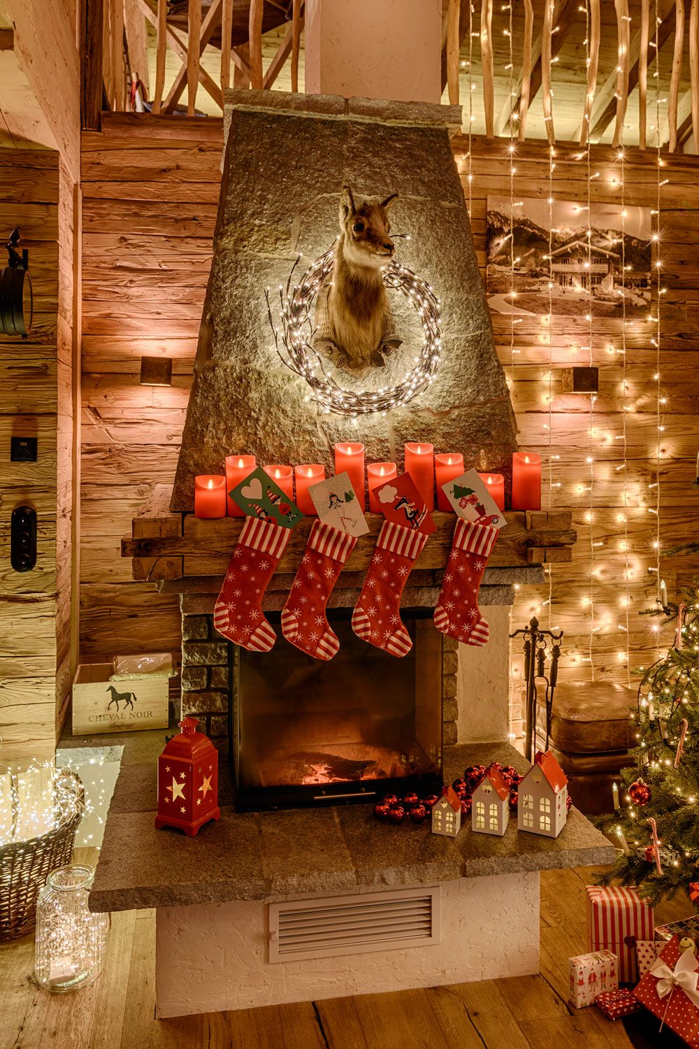 Decorare Caminetto A Natale Addobbi Natalizi 2019 Per Camino Luci Di Natale Home Decor