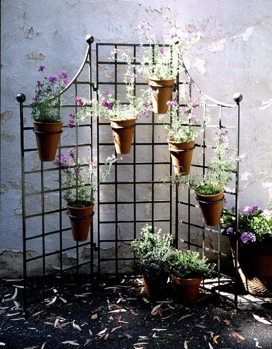 60 W X 60 H Iron Garden Screen With 6 8 Pot Holders 275 85
