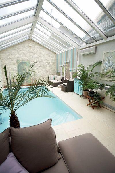 Véranda piscine intérieure - Collection Serenity - Société Rideau - location villa piscine couverte chauffee