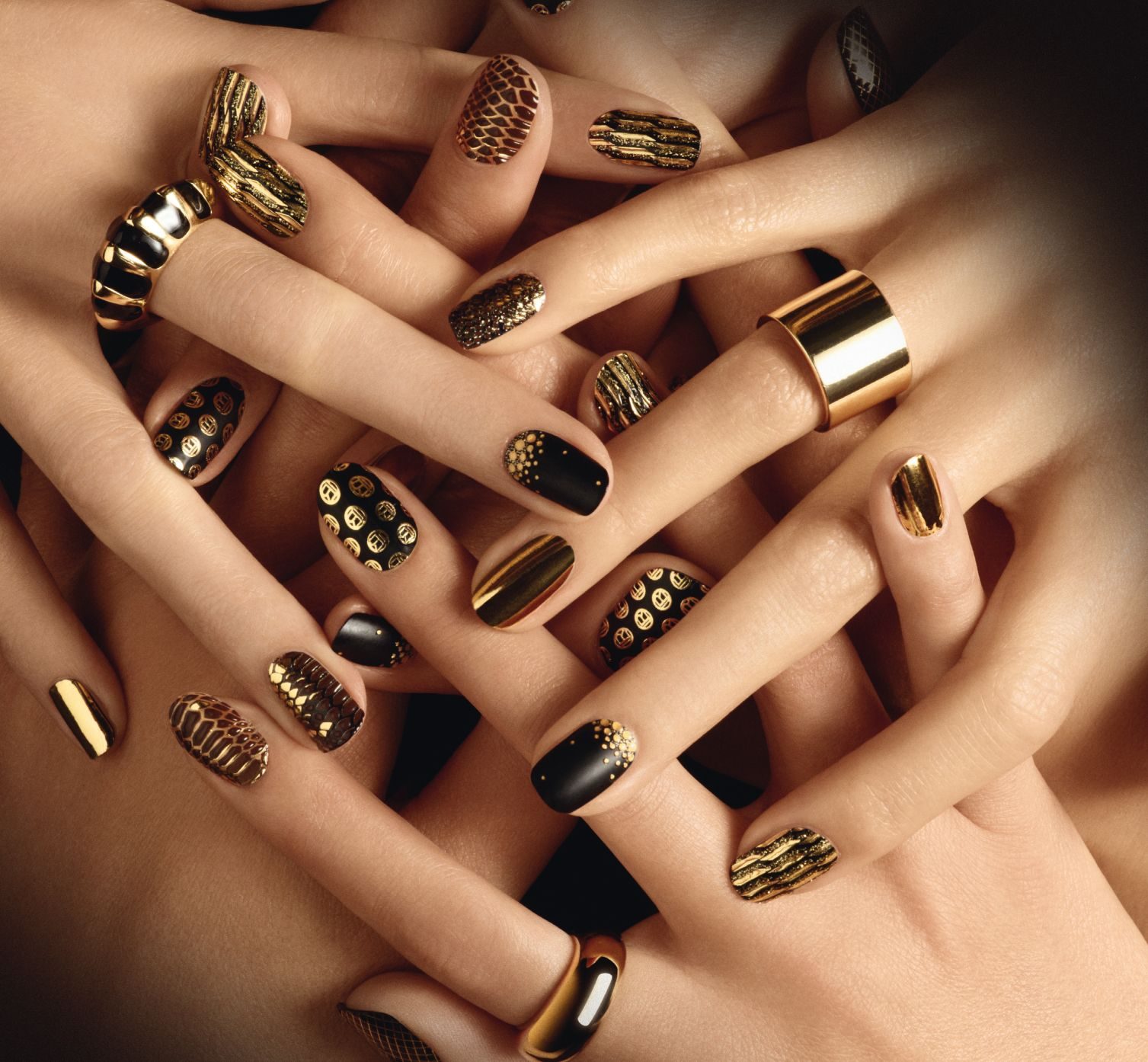 Sleek, metallic nails are all at once wonderfully chic and incredibly daring. #drippedingold #goldnails