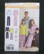 Simplicity 3935 Unisex Child & Adult Pants, Top Slippers & Remote…